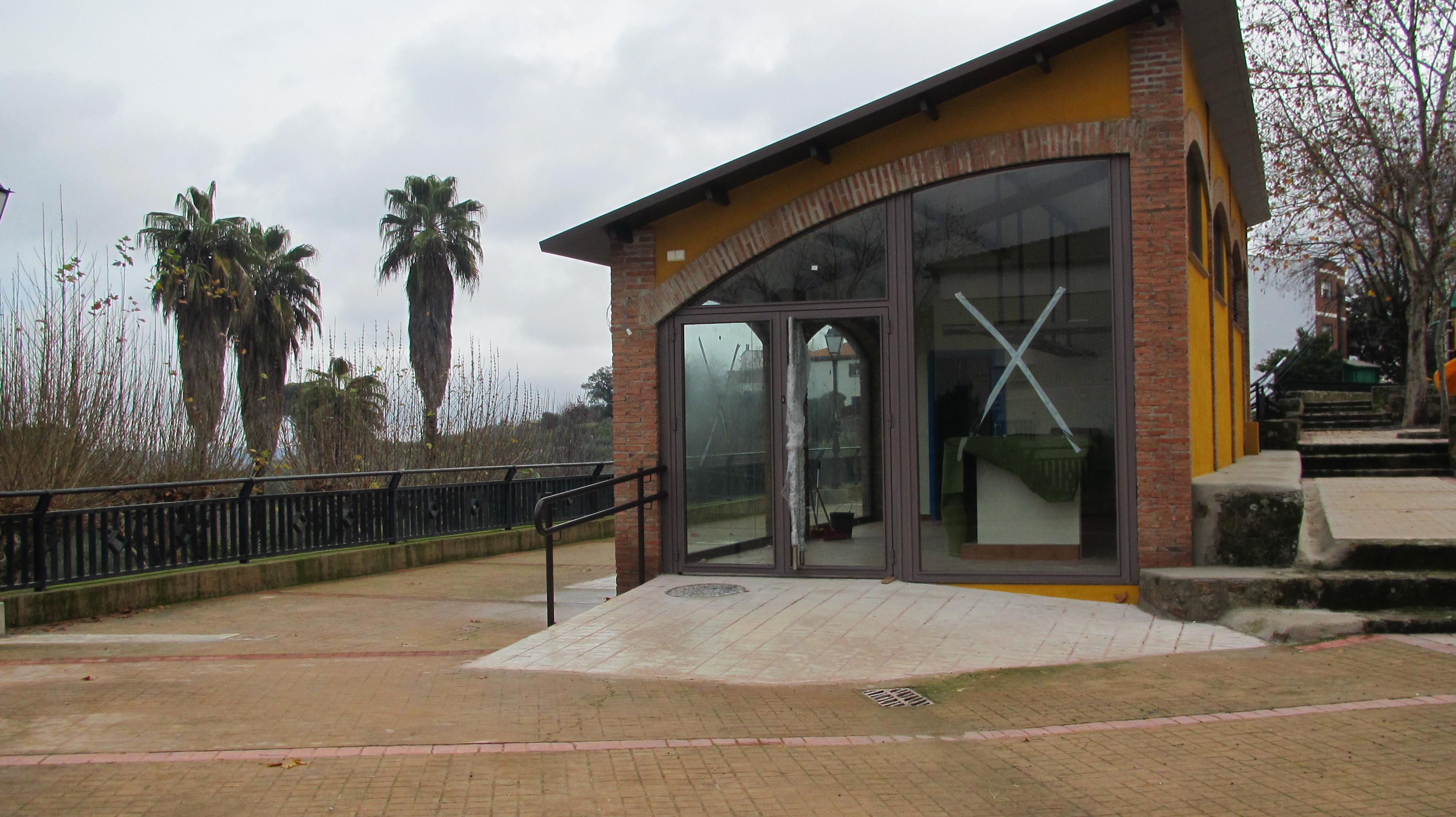El bar-cafetería-terraza del parque Puente Los Bolos vuelve subastarse